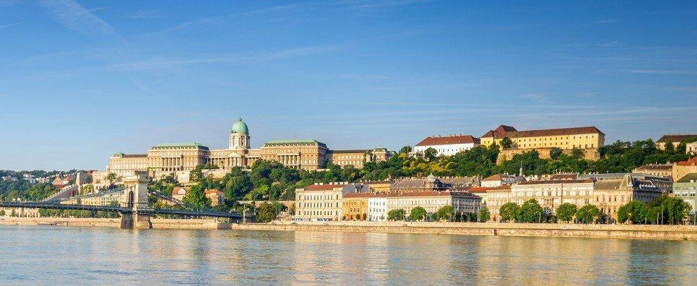 NJOFTIM: Për studentët e UBT-së ofrohen bursa të plota studimi në Hungari, aplikimi është hapur