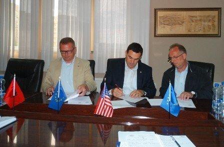 UBT nënshkroi Marrëveshje Bashkëpunimi me  GIZ-in dhe me Shoqatën e Gjeodetëve të Kosovës