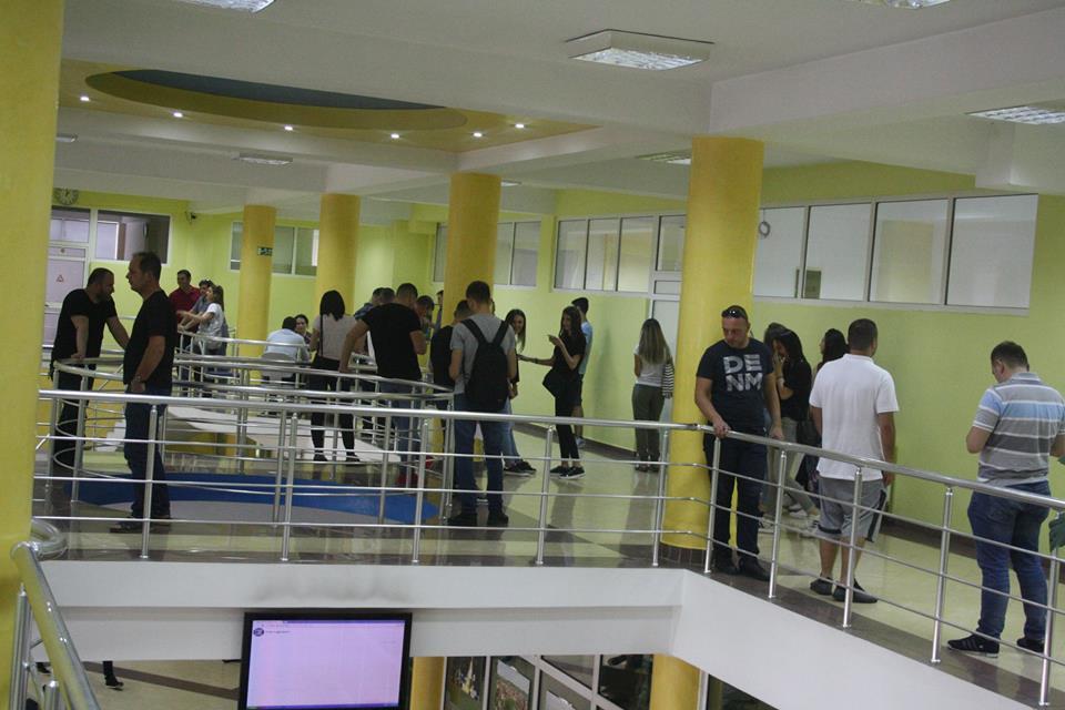 Interesim i madh i të rinjve nga Peja e rajoni i Dukagjinit për regjistrim në UBT