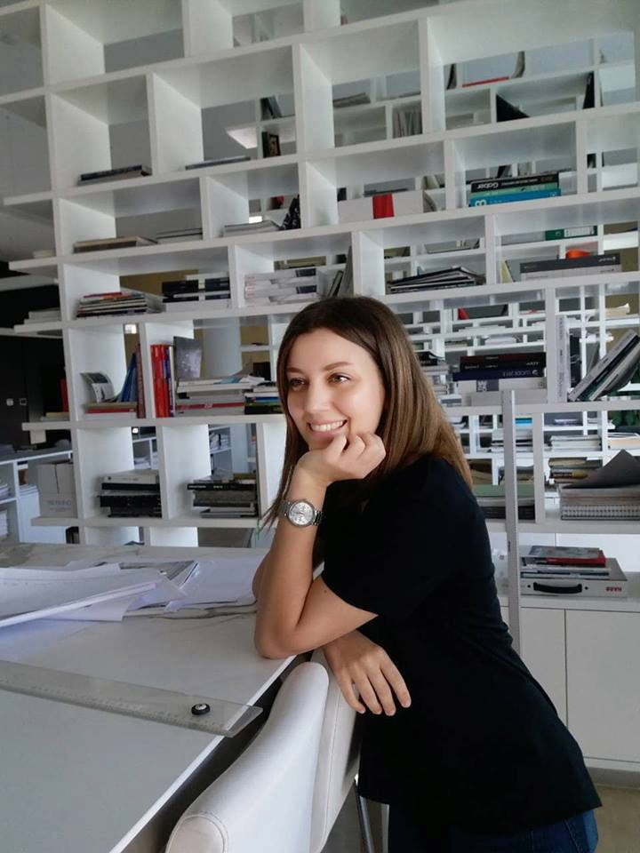 """Studentja e UBT-së, Egzona Rexhepi arkitekte në kompaninë """"Archides & D&f"""""""
