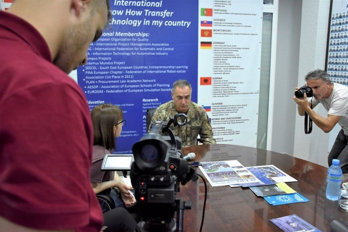 Në ANV-në e Medias dhe Komunikimit pjesëmarrësit sfidojnë vetën në të bërit gazetari