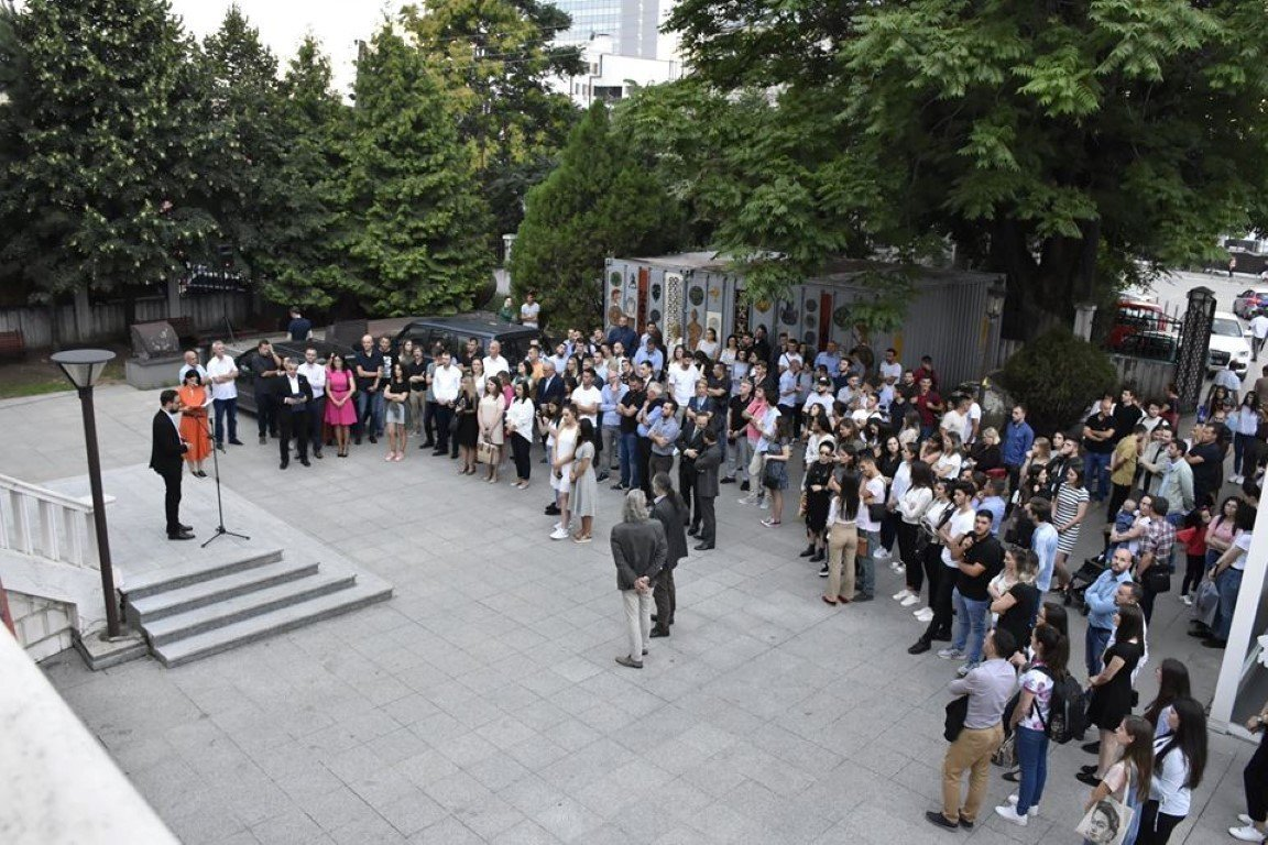 UBT sjell në Kosovë ekspozitën e parë ndërkombëtare të arkitekturës