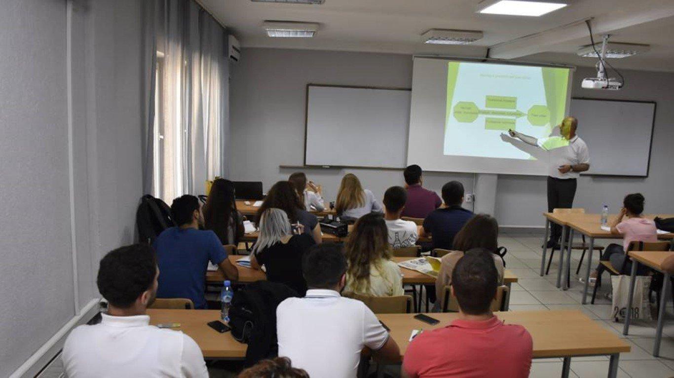 Nisi punimet ANV-ja e Arkitekturës, studentët ndahen në grupe të ndryshme punuese