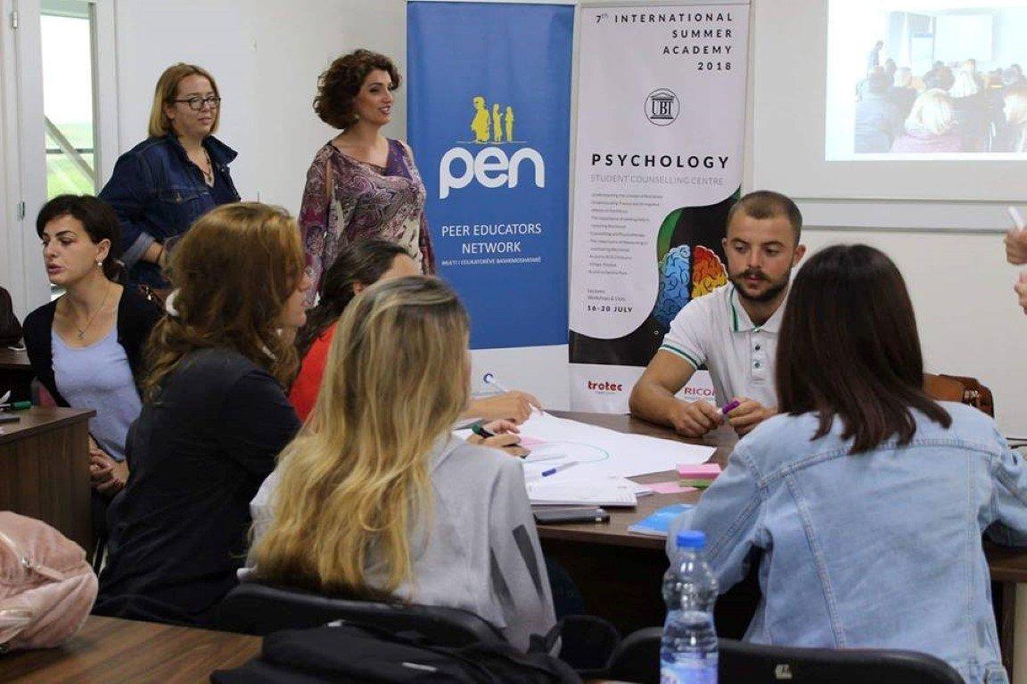 Në ANV-në e Qendrës Këshilluese ligjërohet për rëndësinë e socializimit dhe reziliencën e të rinjve