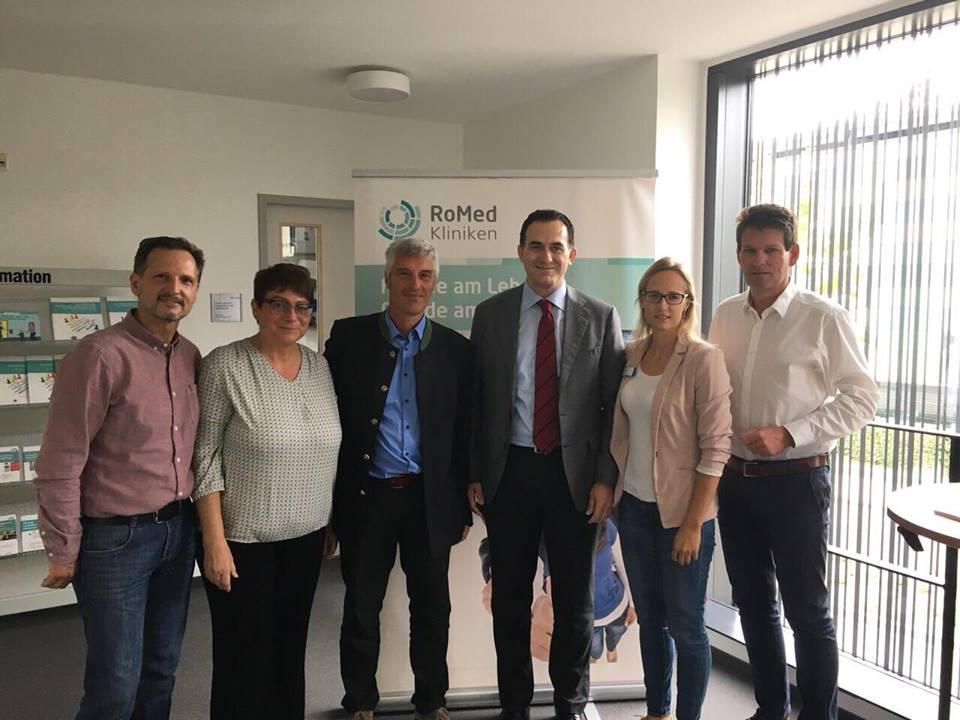 UBT dhe Konsorciumi i Spitaleve Gjermane krijojnë mundësi punësimi për studentët e infermierisë