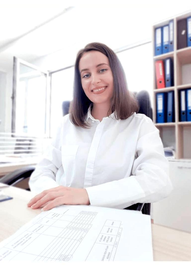 """Ish-studentja e MBE-së, Edona Kullashi e punësuar në kompaninë """"Elkos"""""""