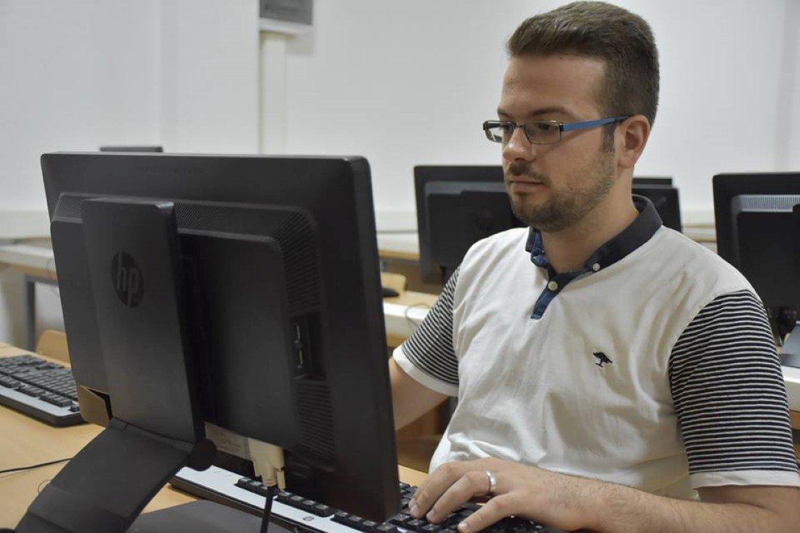 Studenti i SHKI-së, Arton Jashari pjesë e stafit të UBT-së