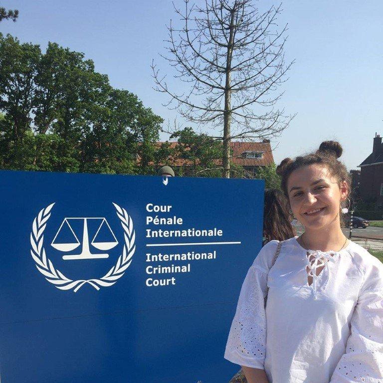 Ish-studentja e Shkencave Politike në UBT, Ferdiana Hoti pjesë e qendrave evropiane të shkencës