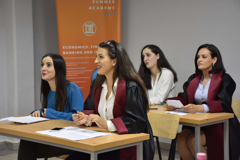 Përse të studiosh Juridikun në UBT? (Video)