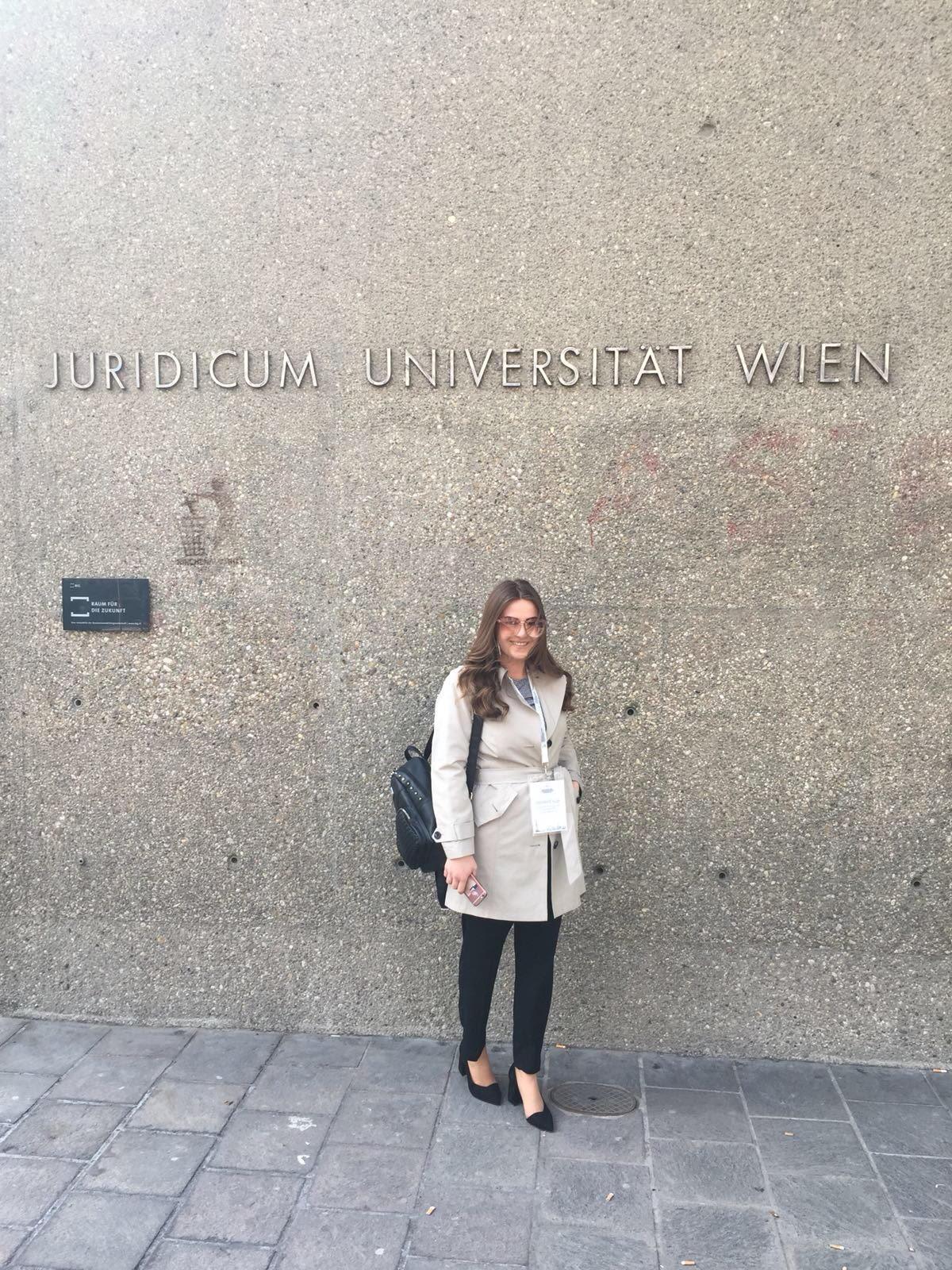 Studentja Leorenta Alija përfundon punën praktike në ProCredit Bank