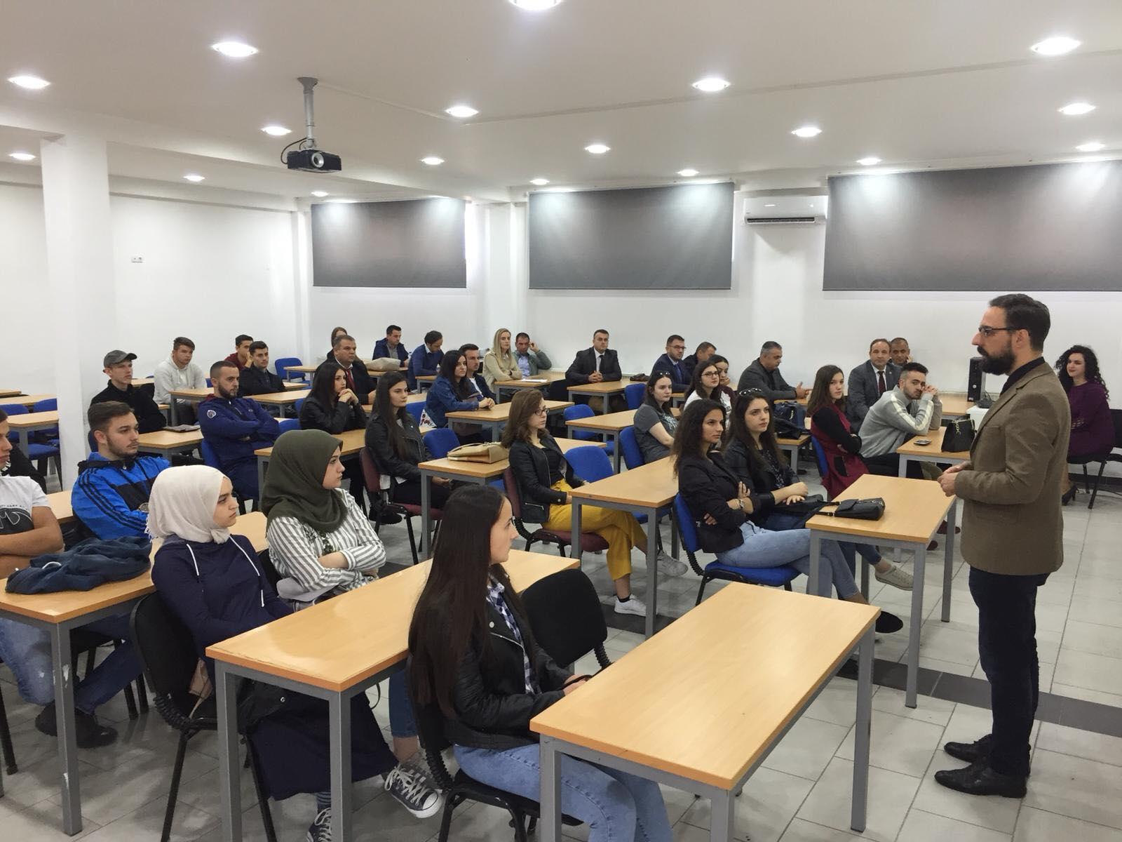 UBT priti solemnisht studentët e rinj në Prizren dhe Pejë
