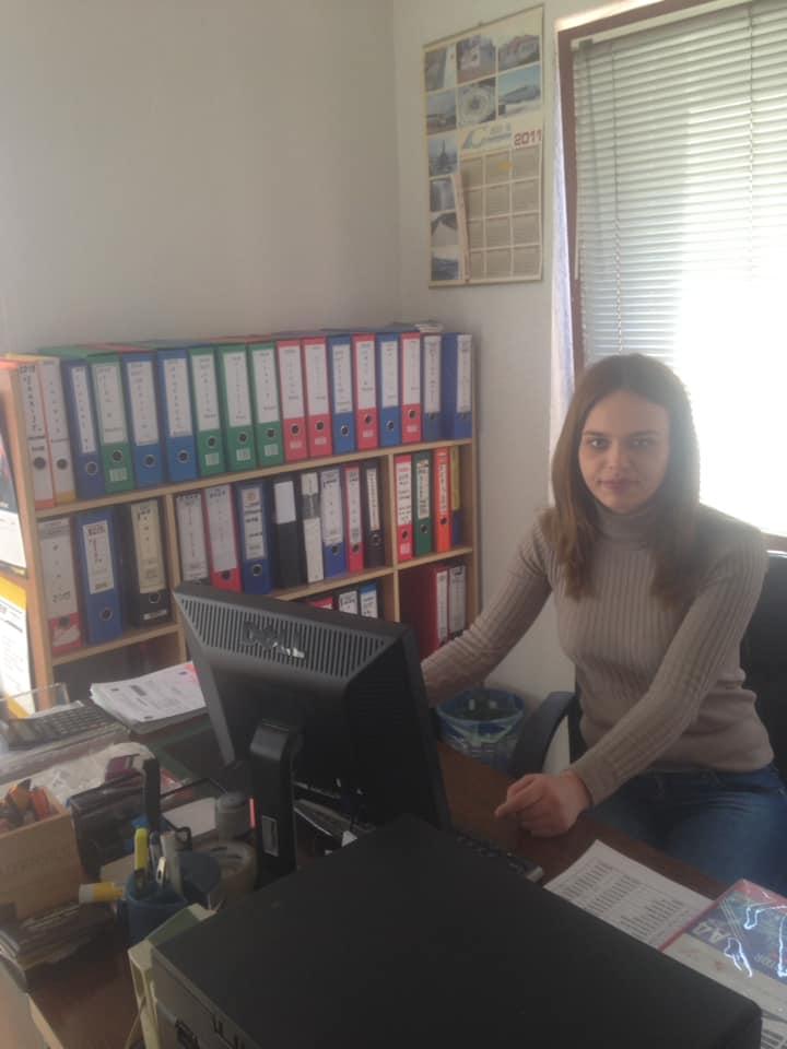 Studentja Jehonë Asllani fillon punë praktike në ndërmarrjen Kodex