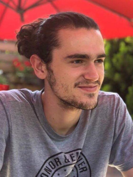 """Studenti i UBT-së, Dorian Abdullahu lanson lojë për """"App Store"""""""