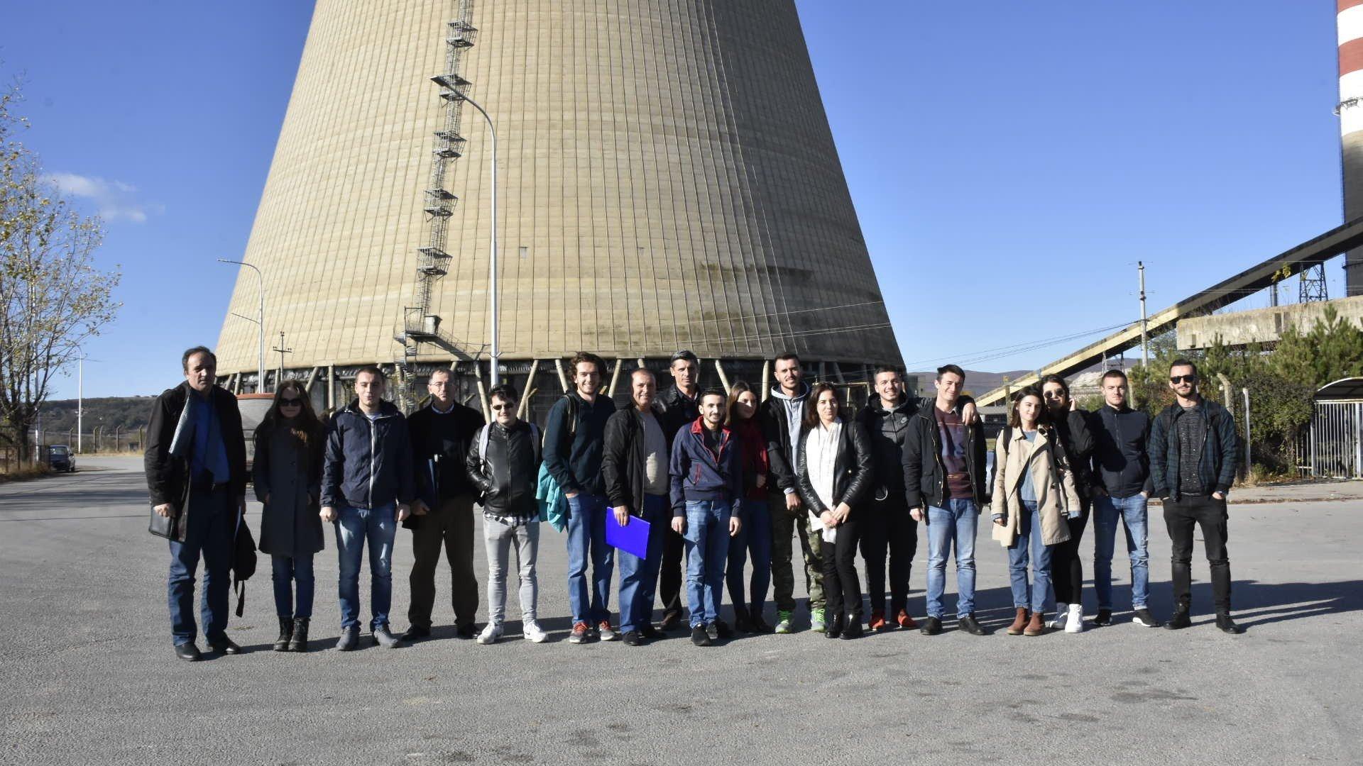 Studentët e UBT-së vizitojnë KEK-un