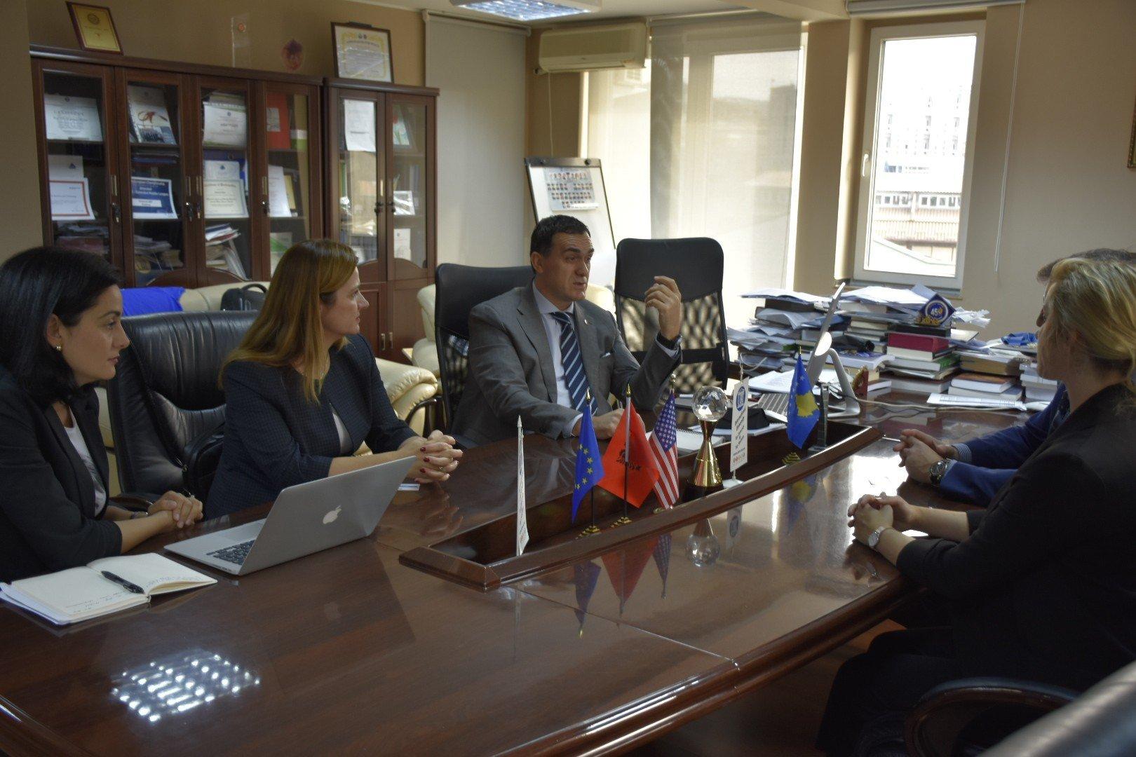 Profesori nga Holanda, Michael Freeman viziton UBT-në dhe mban ligjëratë tematike
