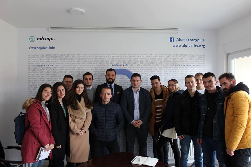 Studentët e Shkencave Politike vizituan organizatën Demokraci Plus