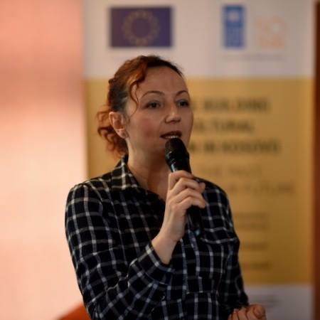 NJOFTIM: Të hënën, për studentët e UBT-së do të ligjërojë arkitektja Lorika Hisari
