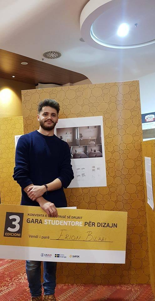 """Projekti """"Briefcase Desk"""" i studentit Elion Bilalli, fitues në Garën Studentore për Dizajn"""