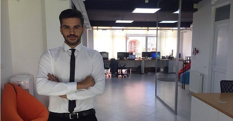 Studenti Festim Shabani i punësuar në Raiffeisen Bank