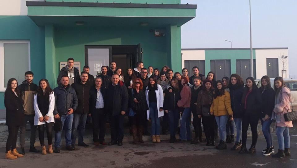 Studentët e Shkencave të Ushqimit dhe Bioteknologjisë vizituan Fabrikën e Ujit, në Shkabaj