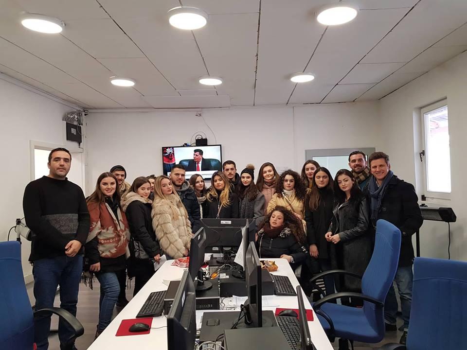 Studentët e UBT-së vizituan RTK-në