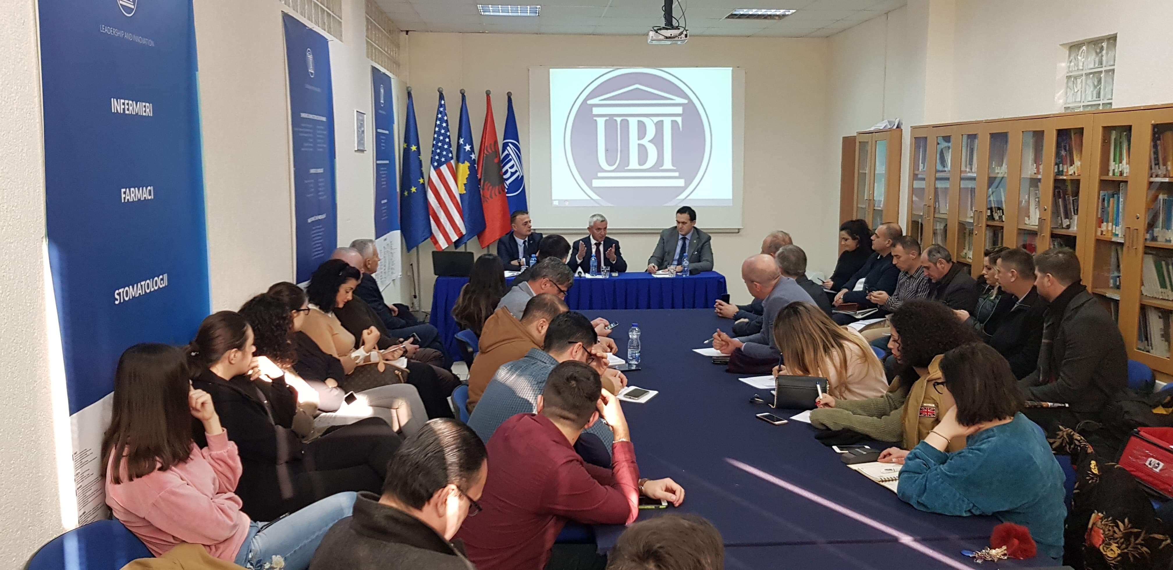 Ambasadori Qemal Minxhozi diskutoi në UBT për bashkëpunimin ekonomik dhe planet për të ardhmen mes Kosovës dhe Shqipërisë