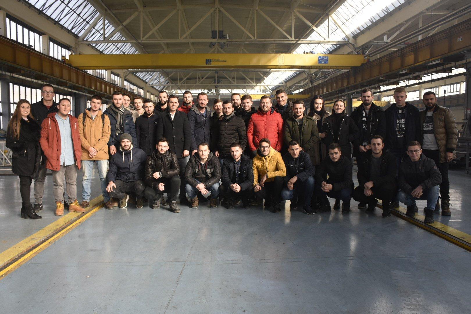 Studentët e UBT-së vizituan fabrikën më të madhe në Evropën Juglindore për prodhimin e gypave të çelikut (Foto&Video)