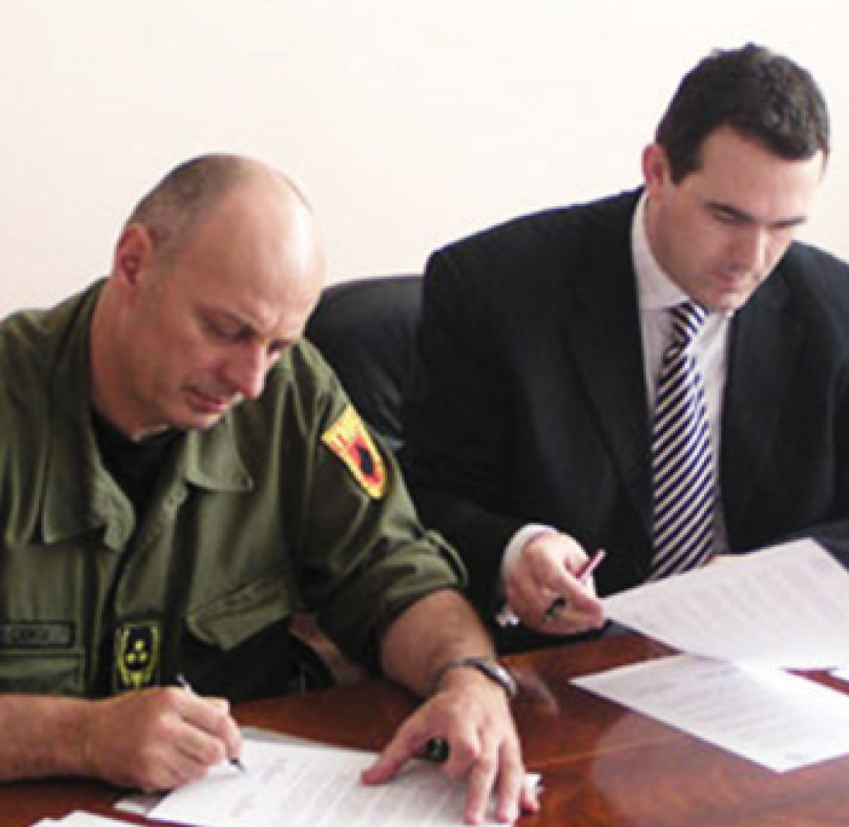 """UBT congratulates the citizens for the historic event regarding the creation of """"The Army of Kosovo"""""""