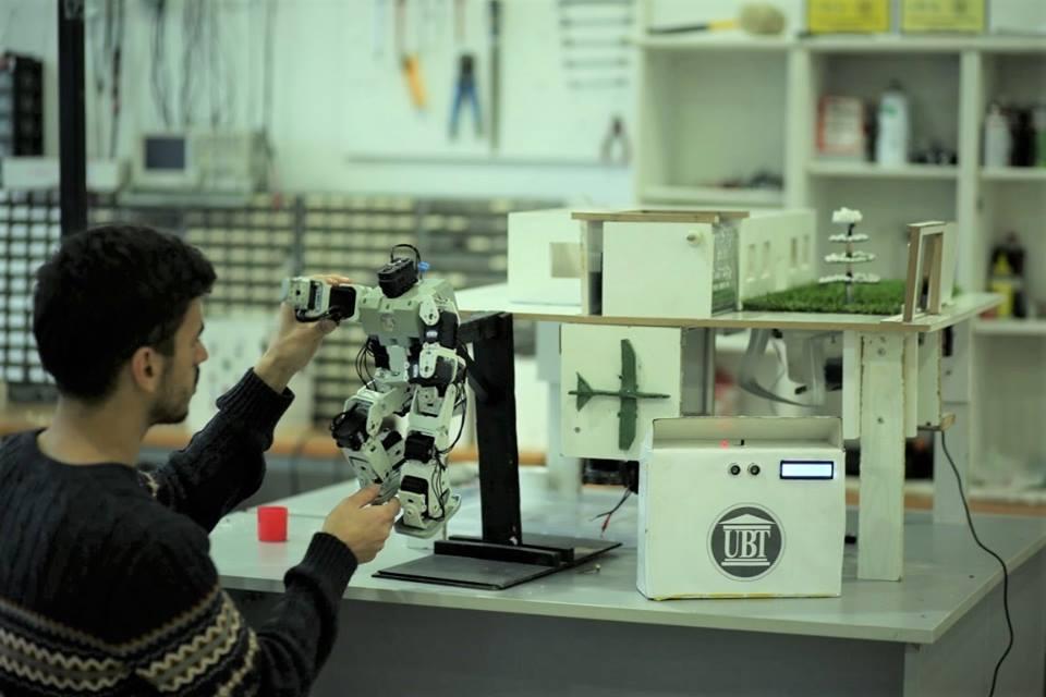 Laboratori i mekatronikës, vendi ku jetësohen projekte inovative të studentëve