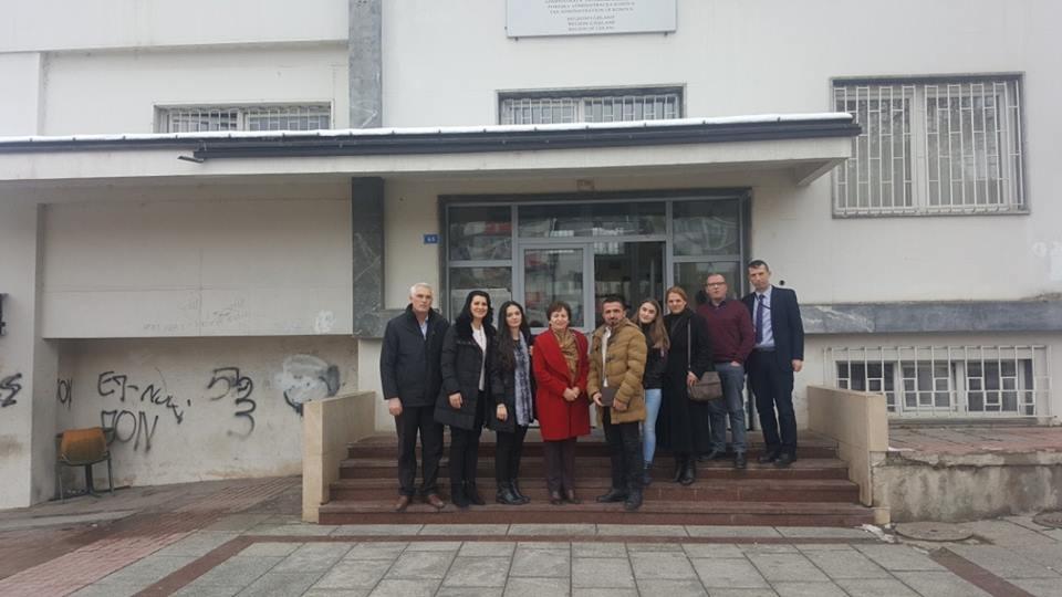 """Studentët e UBT-së dhe kolegjit """"Arbëri"""" vizituan ATK-në"""