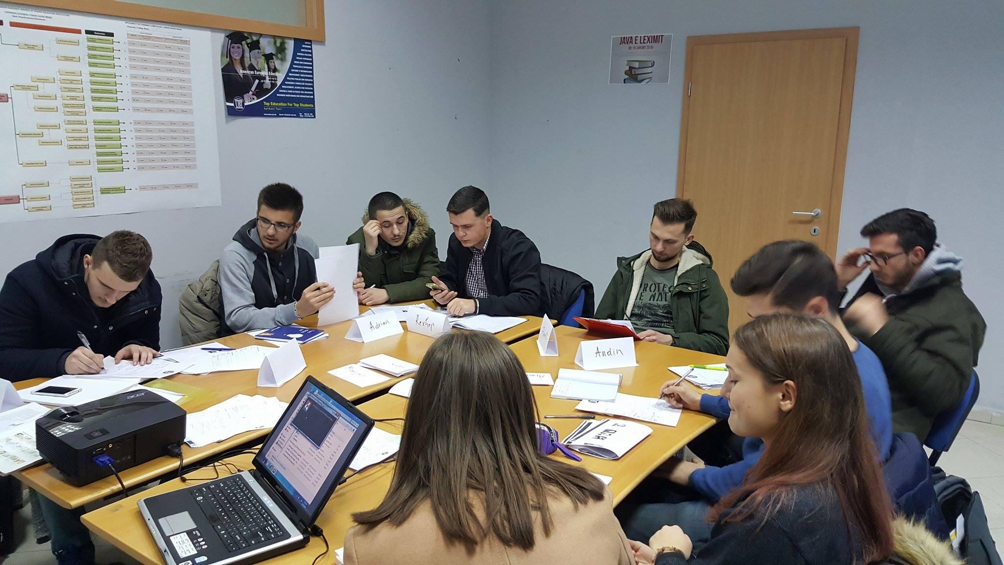 UBT ofron mundësi për përvetësim të gjuhës angleze dhe certifikim të njohur ndërkombëtarisht