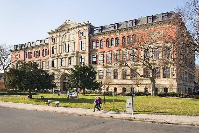 UBT njofton studentët me mundësinë e ndjekjes së Shkollës Verore në Anhalt University të Gjermanisë