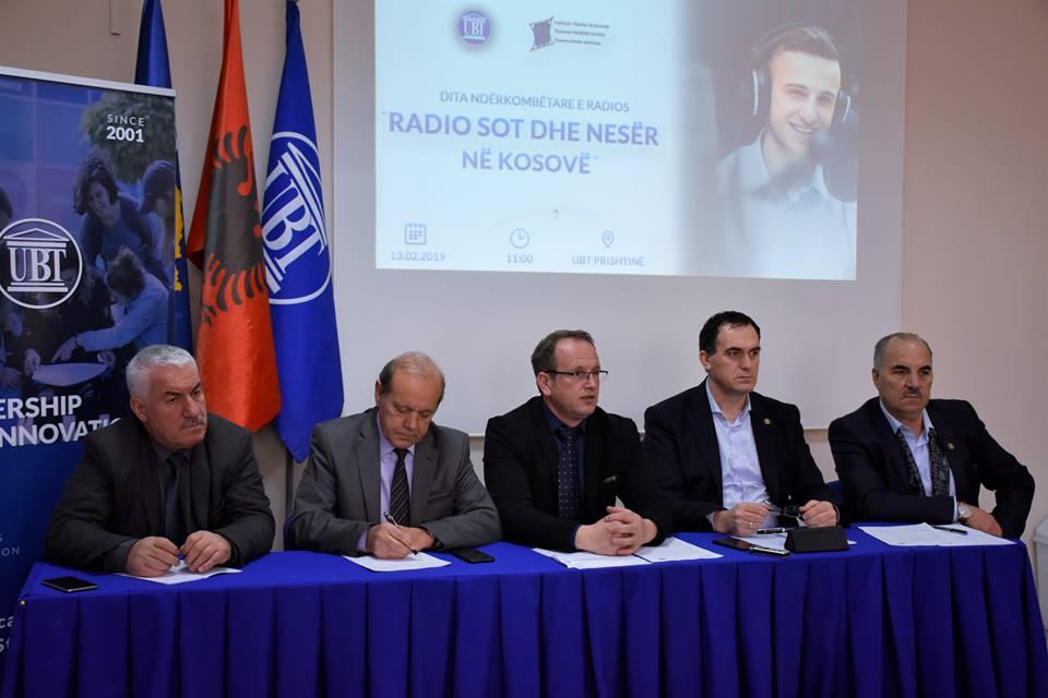 Në Ditën Ndërkombëtare të Radios, ekspertët diskutojnë për problemet dhe të ardhmen e radios në Kosovë (Video)