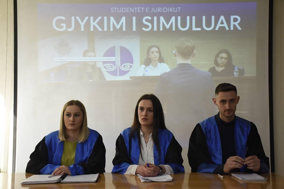 Studentët e Fakultetit Juridik përfunduan gjykimin simulues me vlerësim të lartë