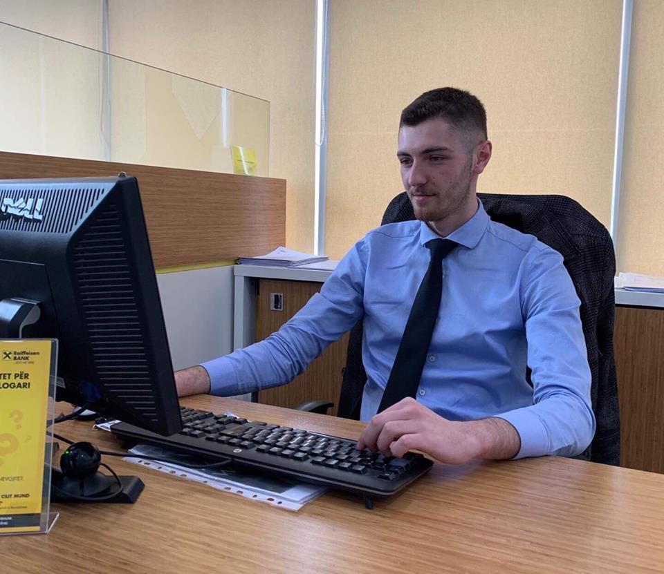 Studenti i MBE-së, Arbnor Bunjaku i punësuar në Raiffeisen Bank