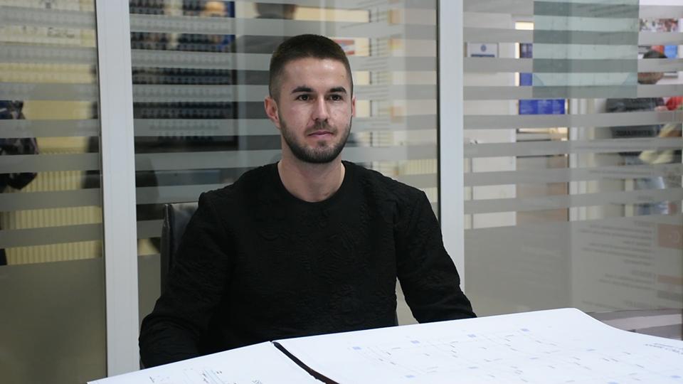 Studenti Qendrim Kurrumeli inxhinier dhe pronar i një kompanie ndërtimore