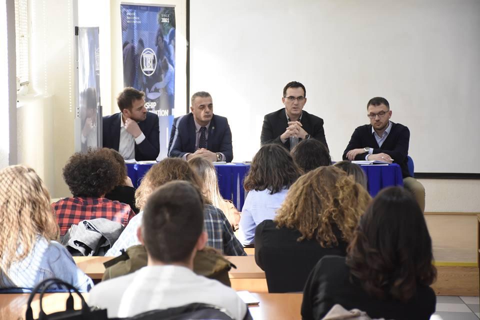 Rektori Hajrizi priti në takim Këshillin e Studentëve – Diskutuan për të arriturat dhe sfidat e ardhshme