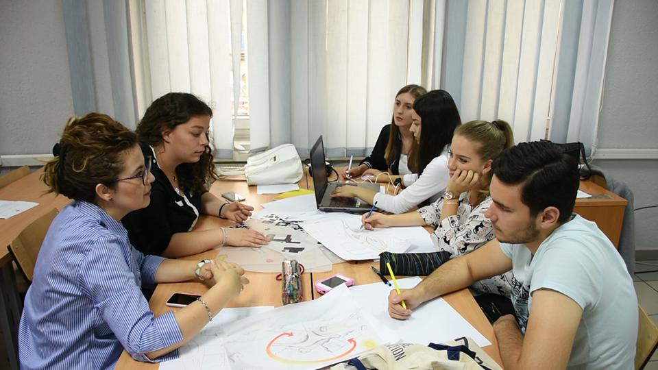 """11 studentë të UBT-së, pjesë e praktikës në kompaninë """"Smart Bits GmbH"""""""