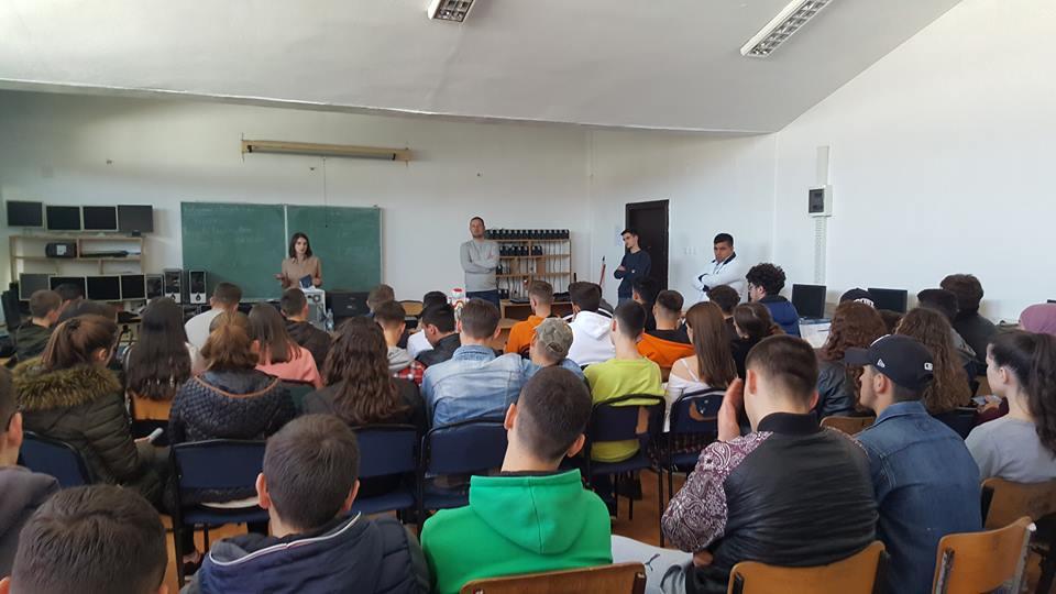 Qendra e Karrierës ofron orientim dhe këshillim në karrierë për maturantët e Podujevës
