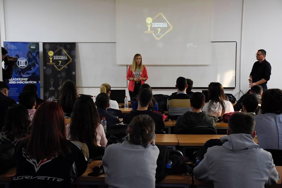 """Studentët e UBT-së informohen për aplikimet në edicionin e VII të """"Albanian ICT Awards"""""""