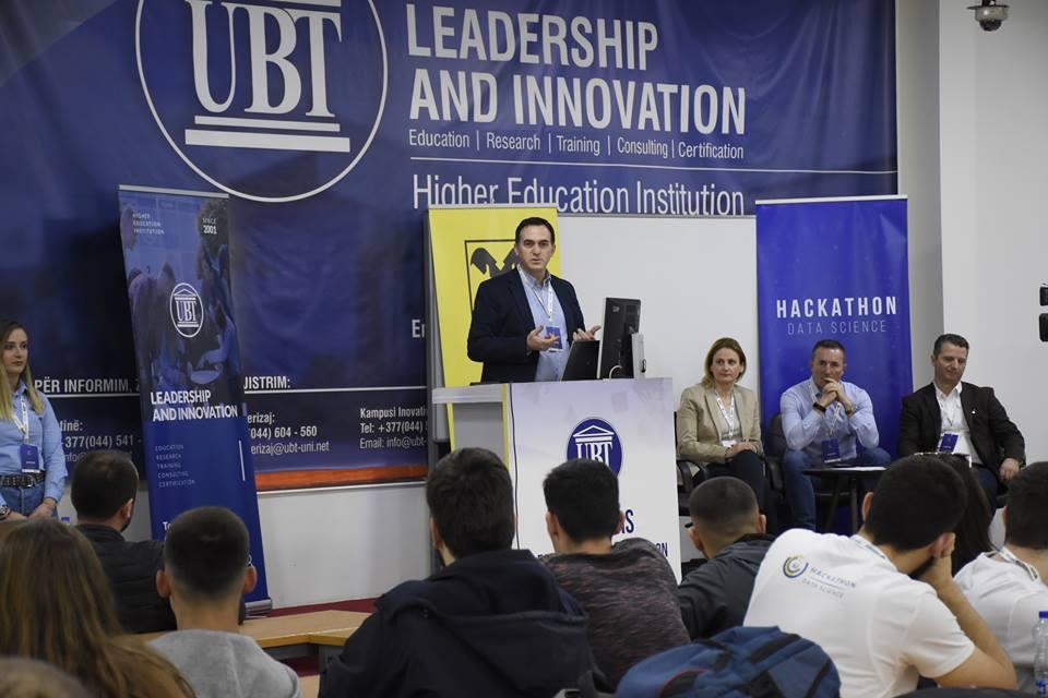 """Qindra të rinj nga Kosova po marrin pjesë në garën """"Data Science Hackathon"""" (Foto&Video)"""
