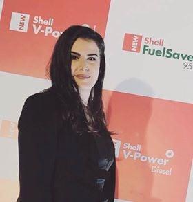 """Ish-studentja e UBT-së, Liridona Barani juriste në kompaninë """"Shell Licensee"""""""