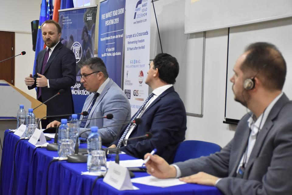 """Në UBT zhvilloi punimet konferenca """"Free Market Road Show"""" – Diskutohen ngecjet dhe të arriturat e shteteve në 30 vitet e fundit"""
