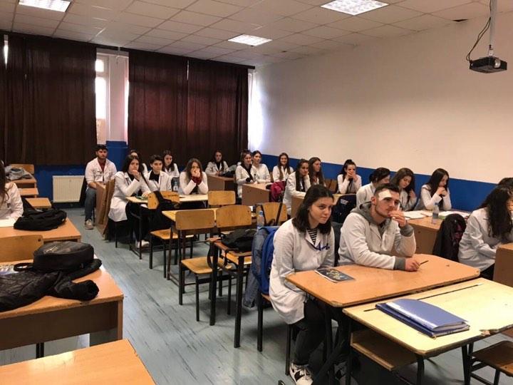 UBT orienton në karrierë maturantët e Ferizajt dhe Kamenicës