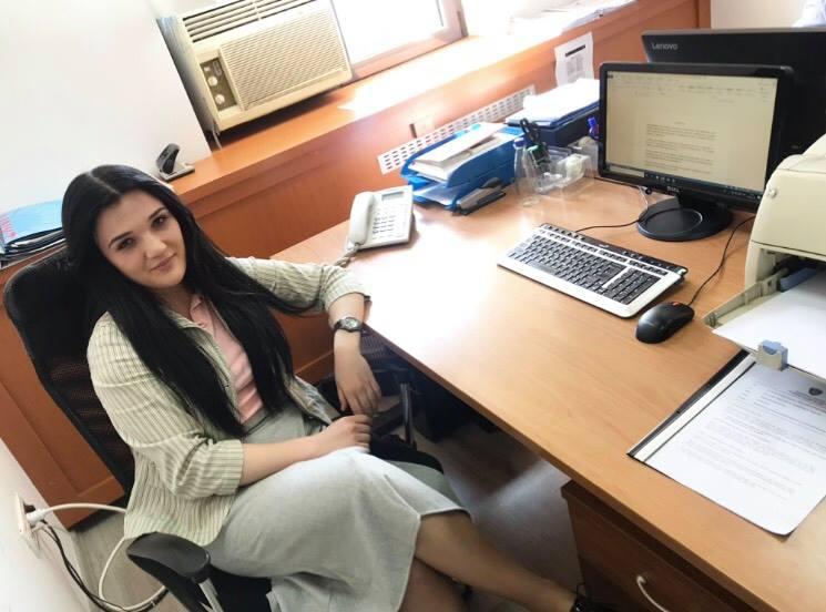 Studentja e Shkencave Politike e angazhuar në Kuvendin e Kosovës