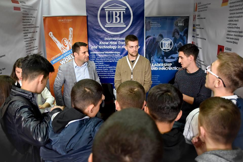 UBT merr pjesë në Panairin e Edukimit në Prishtinë