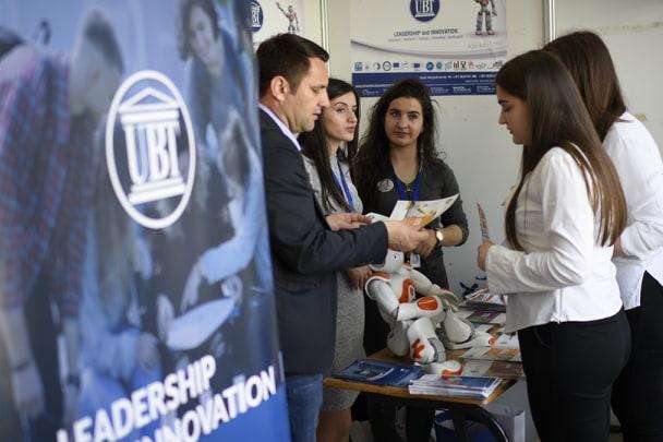 UBT, pikësynim për studime i qindra të rinjve prizrenas