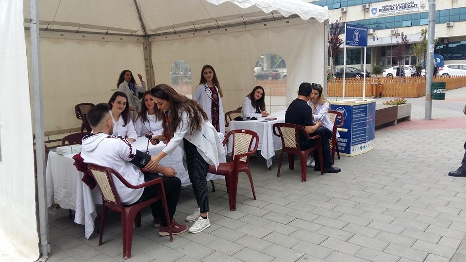 Dita Ndërkombëtare e Hipertensionit u shënua nga studentët e Infermierisë edhe në Ferizaj