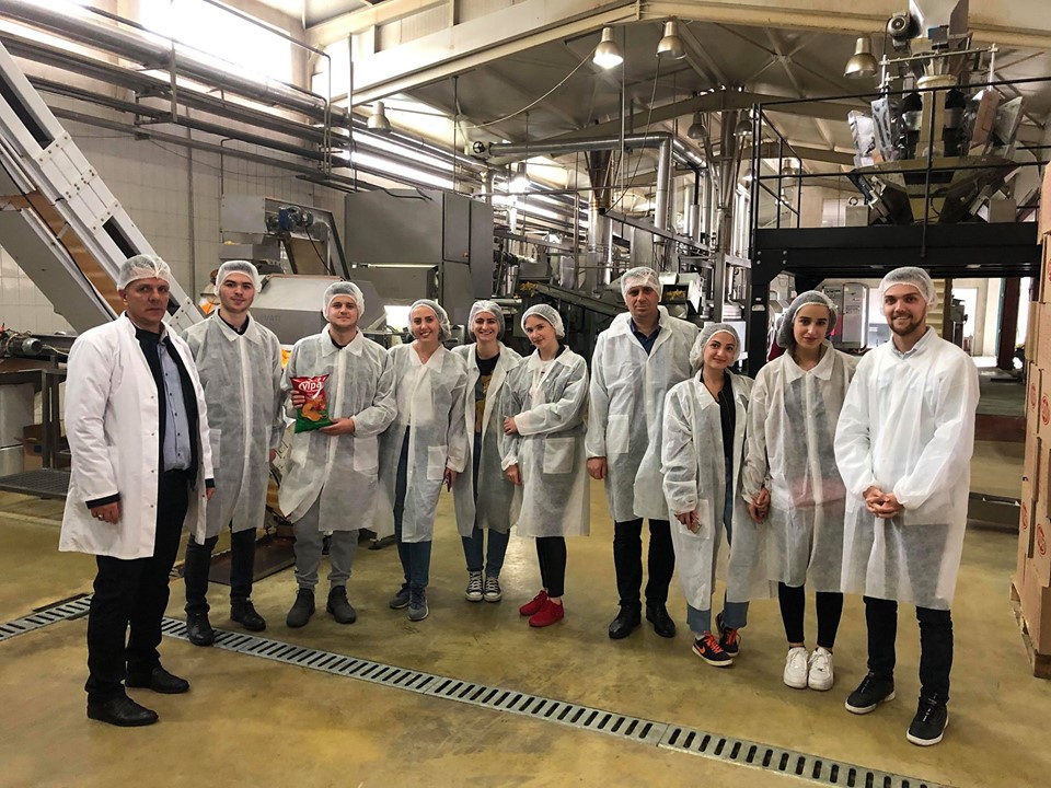 """Studentët e MBE-së vizitojnë kompaninë """"Pestova"""""""