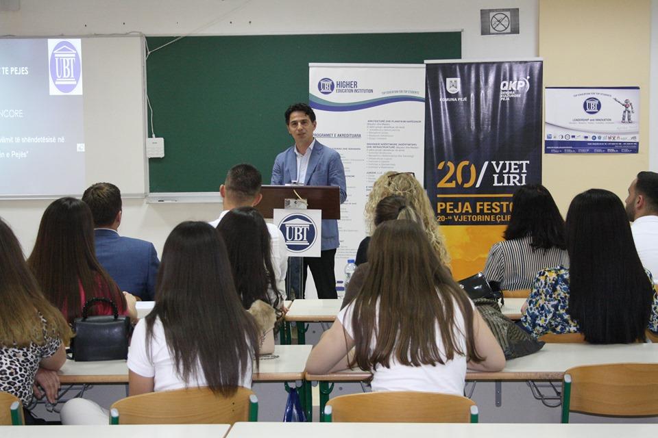 """Në kolegjin Dukagjini- UBT u mbajt konferenca shkencore, """"Arritjet, sfidat dhe perspektiva e shëndetësisë në Komunën e Pejës"""""""